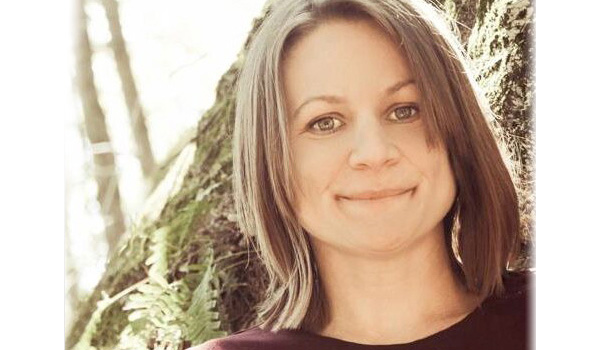 HBH 4: The Therapeutic Benefits Of Nature with Angela Hanscom