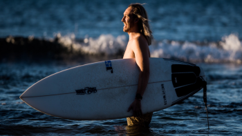 BFM 19: Foot Function and Surfing with Candace Land and the Barefoot Podiatrist